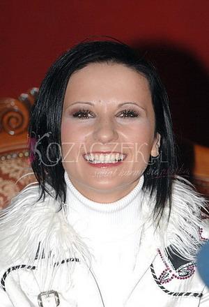 Wiśniewska w czerni(Foto)