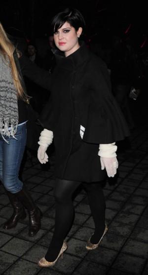 Kto nosi babcine rękawiczki? (FOTO)