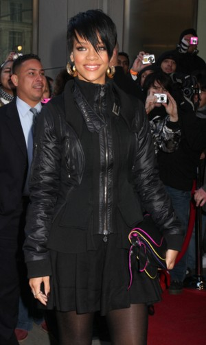 Rihanna jak Czarna Wdowa (FOTO)