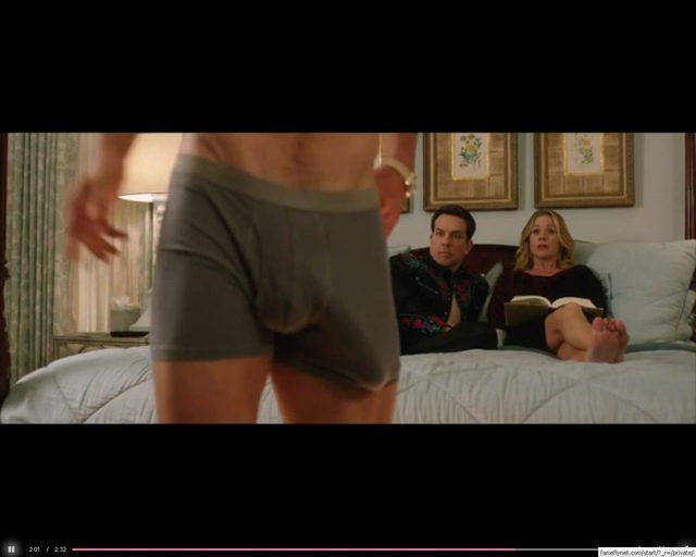 OMG. Co Chris Hemsworth ma w bokserkach? [VIDEO]