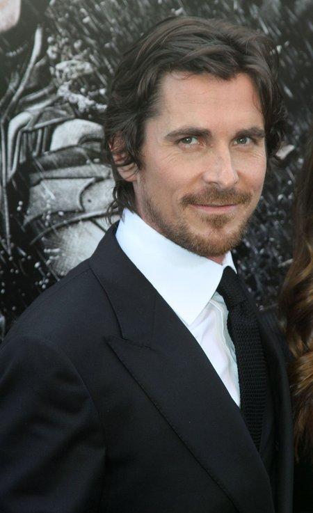 Christian Bale i Anne Hathaway mieli zginąć