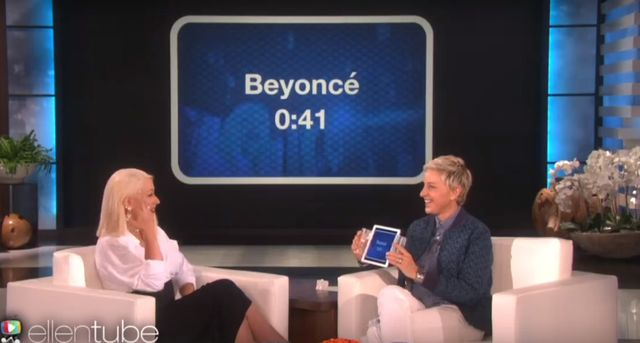 Christina Aguilera bije Arian� Grande na �eb, na szyj�?