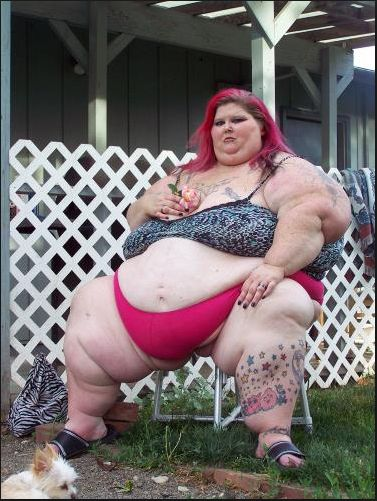 Christina Paez - wa�y blisko 300 kg i jest modelk� (FOTO)