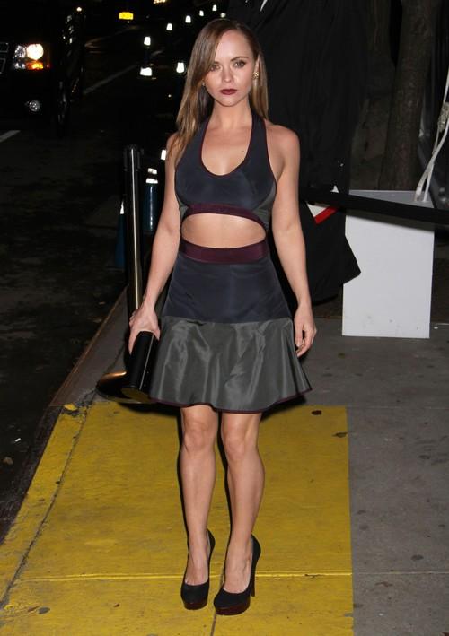 Christina Ricci pokazała brzuszek (FOTO)