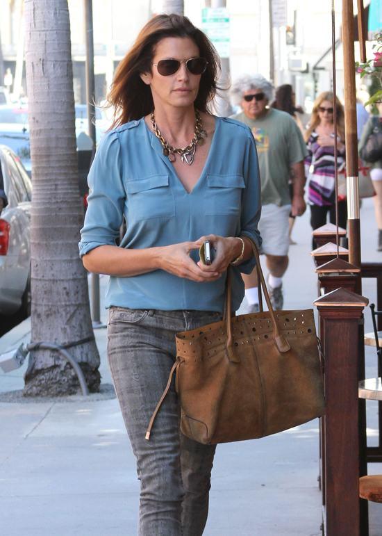 Cindy Crawford - 46 lat, a figura wciąż jak marzenie (FOTO)