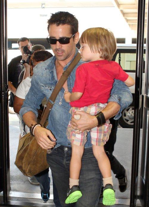 Troskliwy tata Colin Farrell (FOTO)