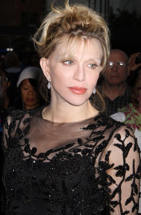 Courtney Love wreszcie jak dama (FOTO)