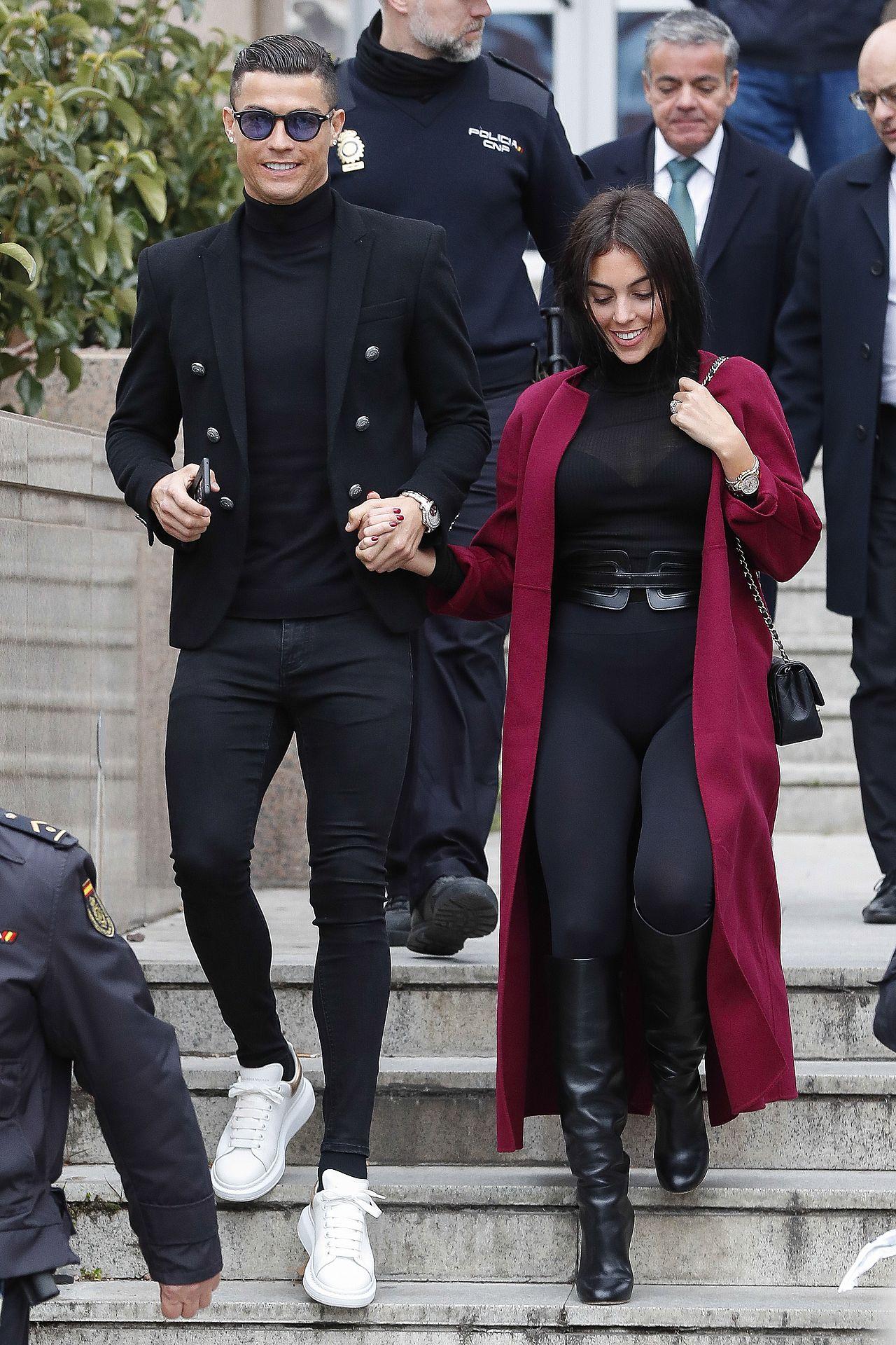 Cristiano Ronaldo i Georgina Rodriguez wychodzą z sądu (ZDJĘCIA)