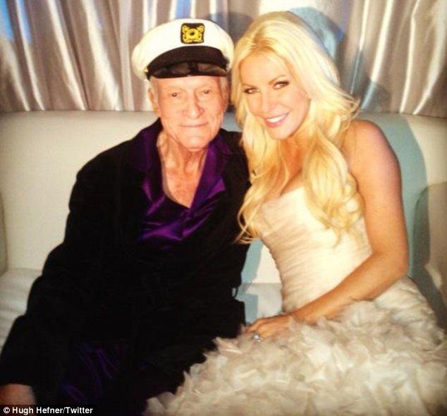 86-letni Hugh Hefner ożenił się z 26-latką (FOTO)