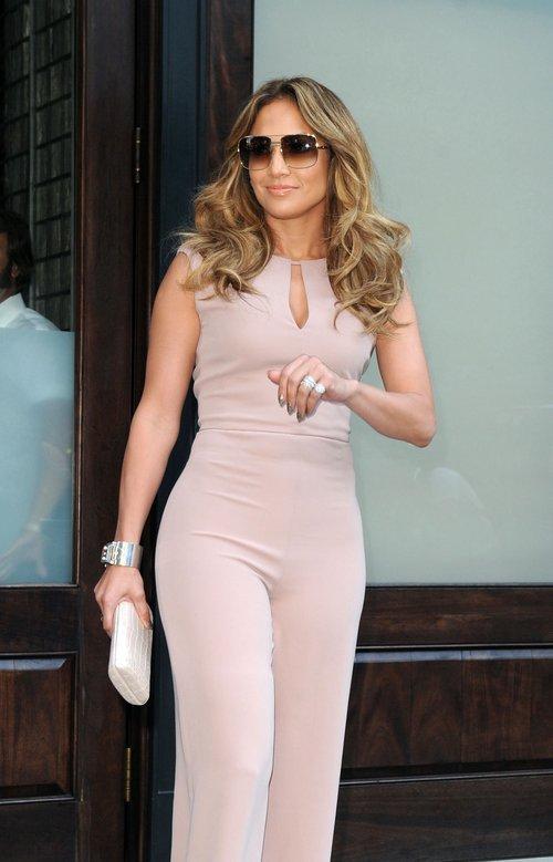 Jennifer Lopez w kombinezonie