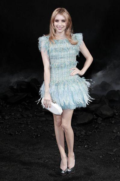 Emma Robert, niebieska sukienka