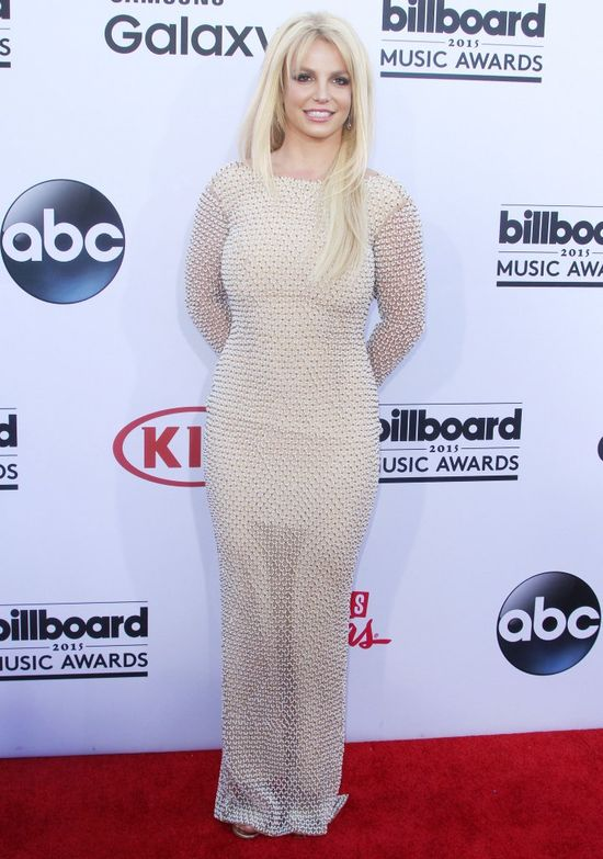 Britney Spears w beżowej sukni na Billboards Music Awards 2015