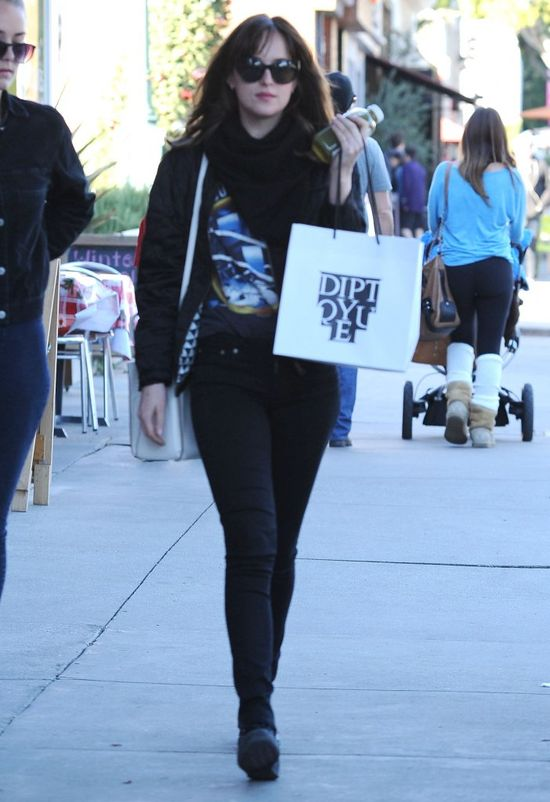 Dakota Johnson wreszcie wygląda jak gwiazda? (FOTO)