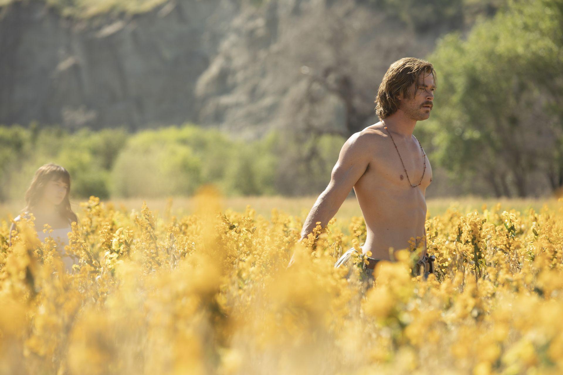 Dakota Johnson przeżyła SZOK na widok TEJ części ciała Chrisa Hemswortha