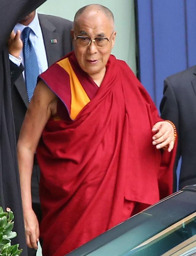 Co o rozwodzie Jolie i Pitta sądzi... Dalajlama?