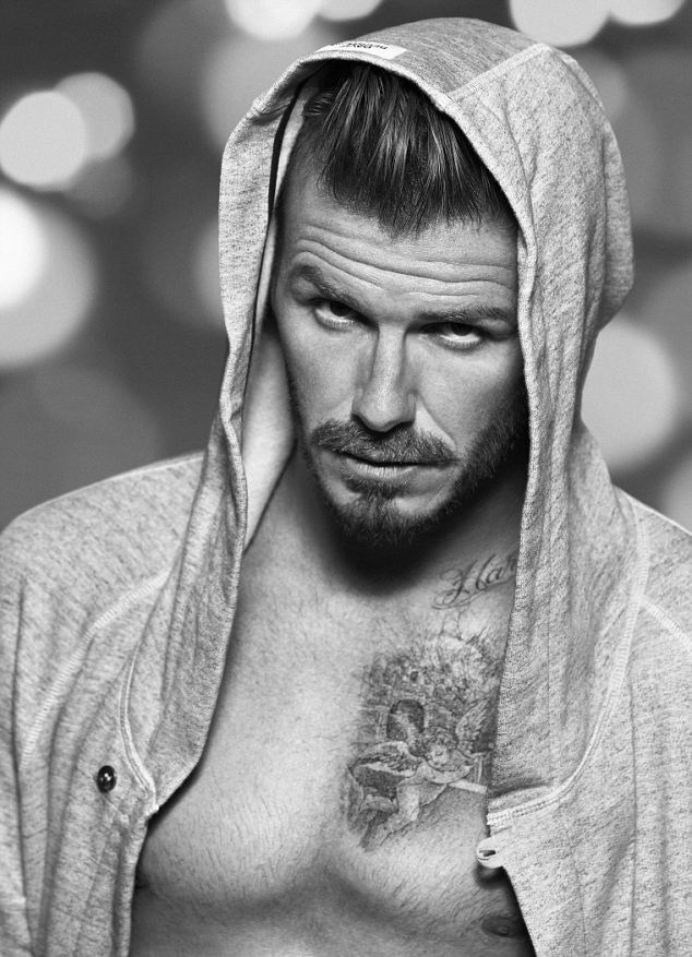 David Beckham z marsow� min� promuje nowe gatki (FOTO)