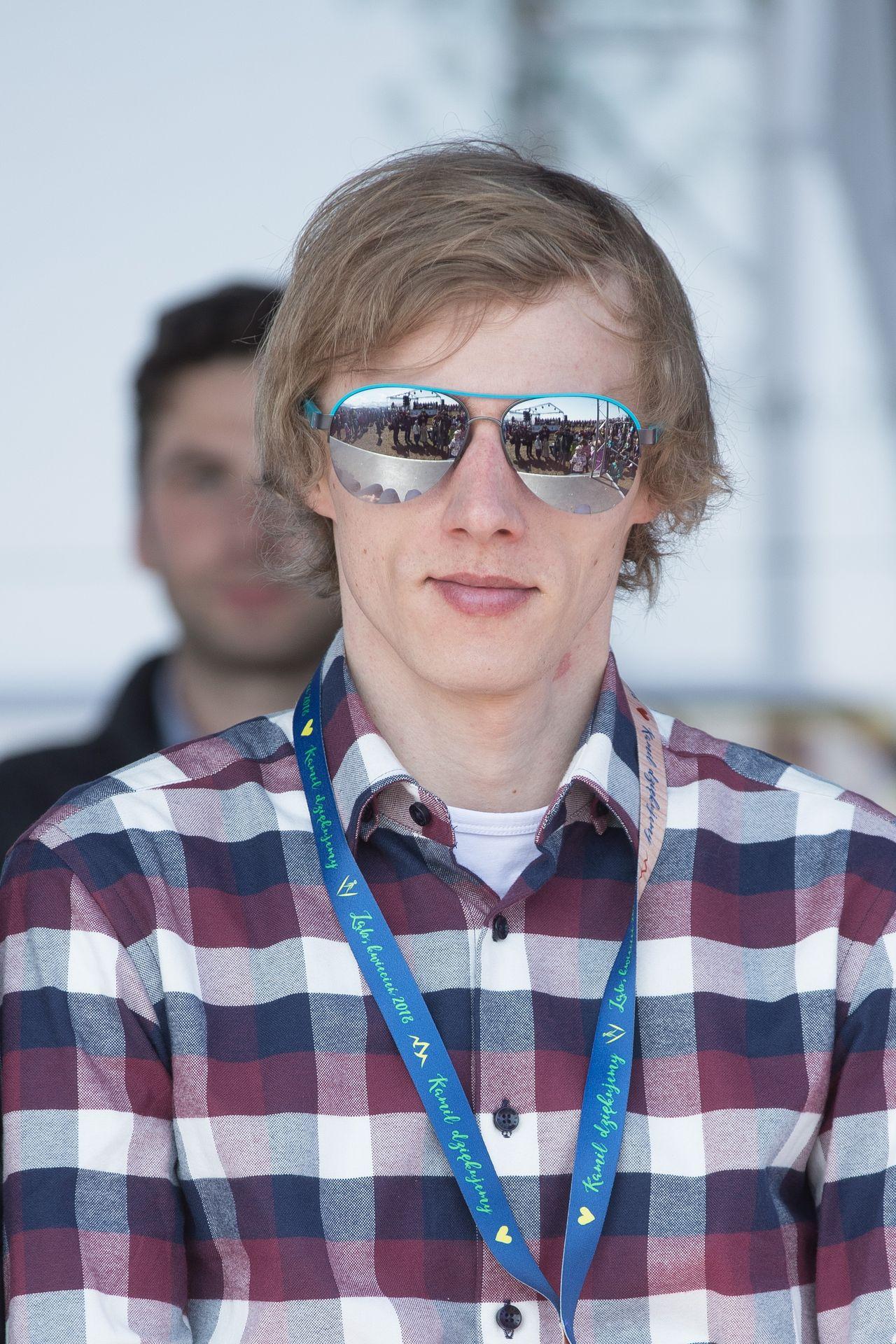 BRAWO Dawid Kubacki! Polak wygrał niedzielny konkurs Pucharu Świata w Predazzo
