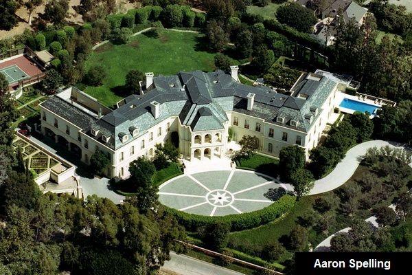 A na pierwszym miejscu znalazła się willa Aarona Spelling warta 150 milionów dolarów. W posiadłości znajduje się garderoba zajmująca całe piętro. OMG!