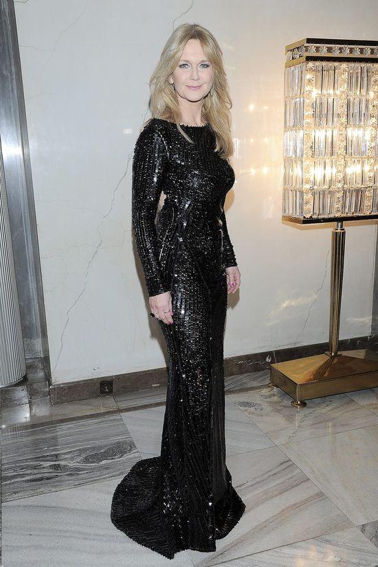 Grażyna Torbicka w czarnej sukni z cekinami na rozdaniu Paszportów Polityki w 2015 roku