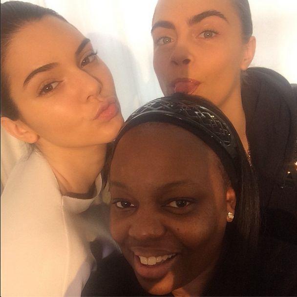 Kendall Jenner i Cara Delevinge pokaza�y si� bez makija�u