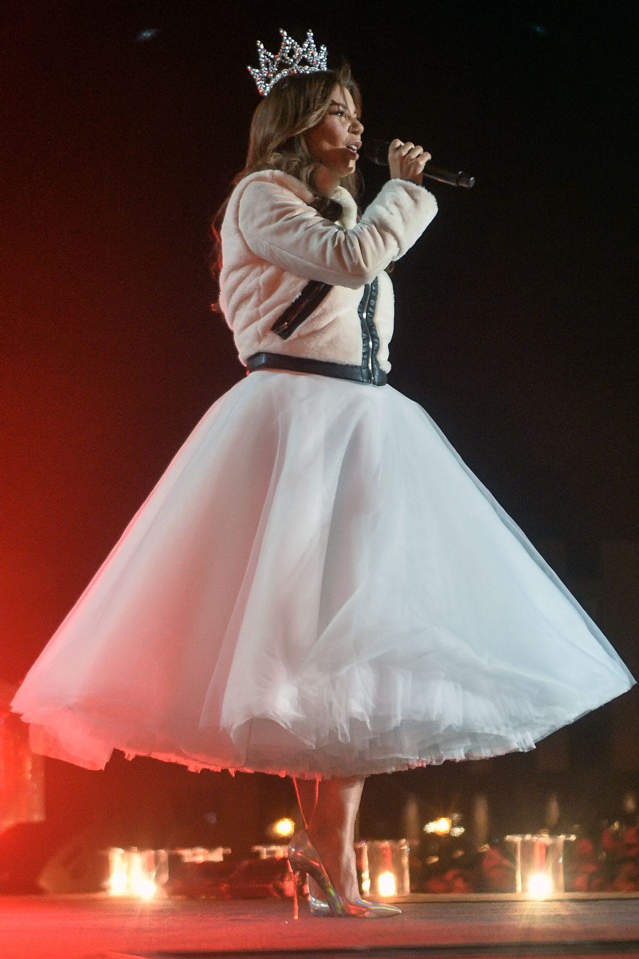 Wpadka z sukienką Natalii Szroeder i Górniak w koronie (ZDJĘCIA)