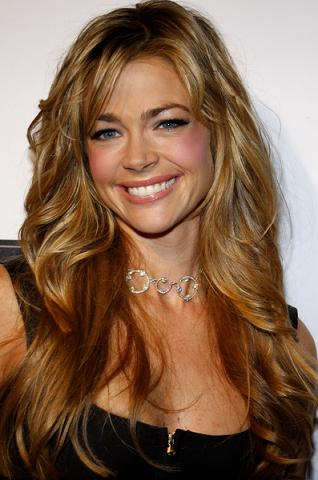 Denise Richards kontra Charlie Sheen ponownie
