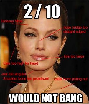 Angelina Jolie jest pi�kna - to fakt. Ale czy pi�kna naturalnie?