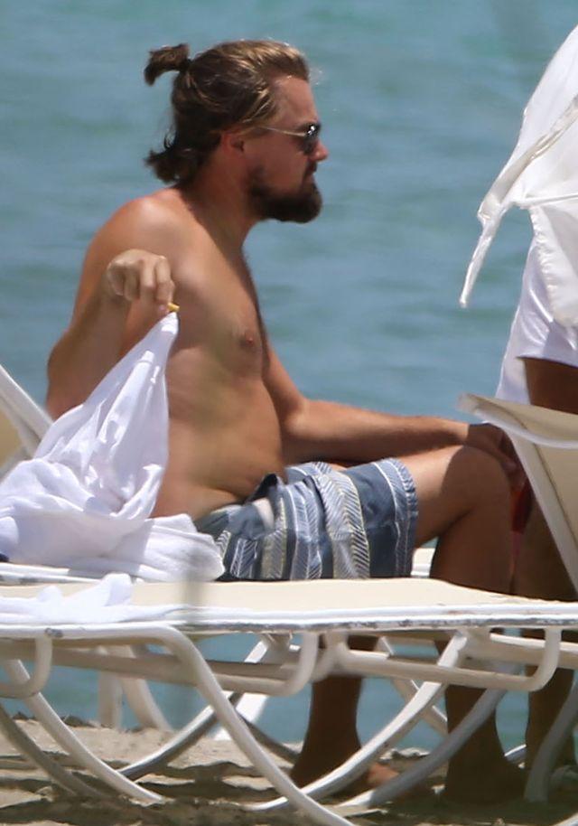 Leonardo DiCaprio zapuścił brodę i BRZUCH (FOTO)