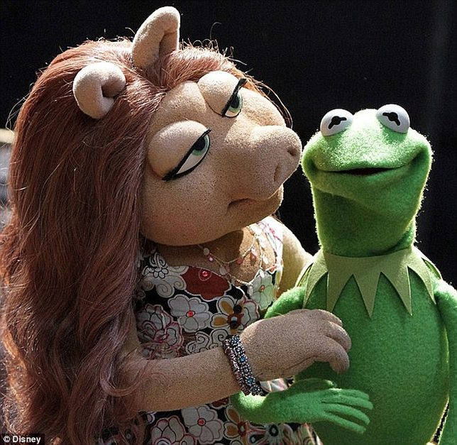 Po 40 latach Kermit zostawił Świnkę Piggy dla innej