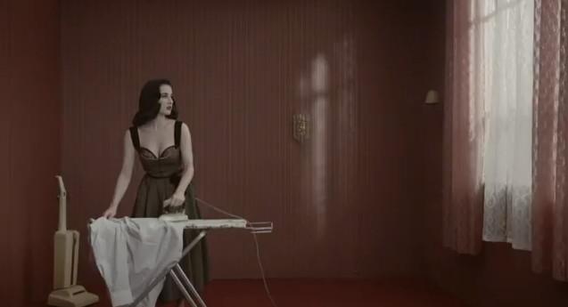 Dita von Teese w zmysłowym teledysku (VIDEO)