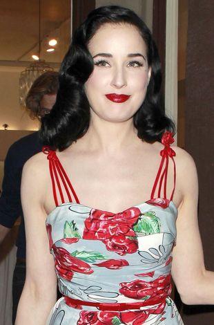 Dita Von Teese: Kobieta powinna wyrywać włosy z sutków