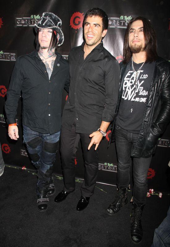 Gitarzysta Guns N'Roses prawie umarł przez e-papierosa