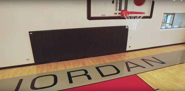 Dlaczego Michael Jordan nie mo�e sprzeda� tej willi? (VIDEO)