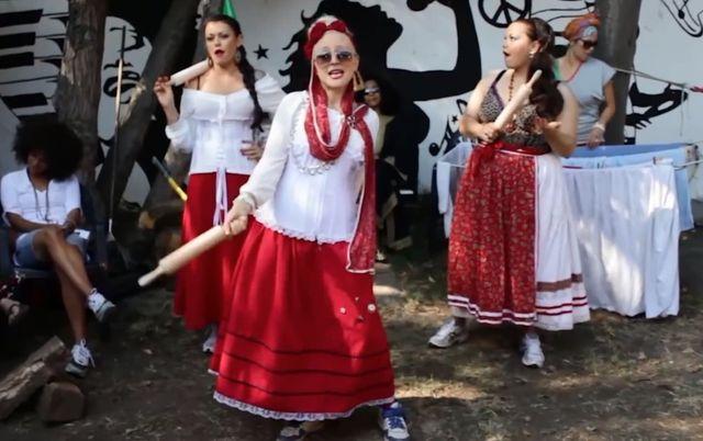 Las Balkanieras by�y przed Donatanem (VIDEO)