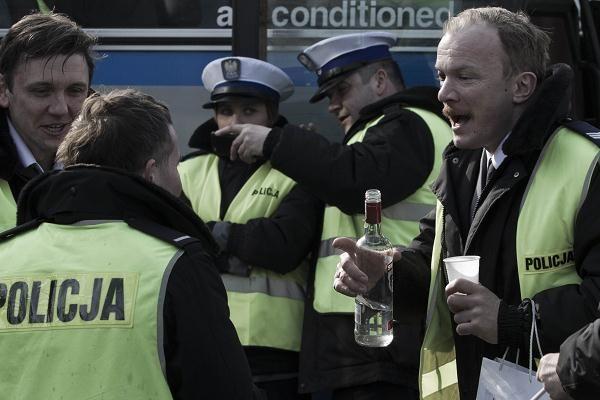 Policjanci mają zakaz chodzenia do kina na Drogówkę?