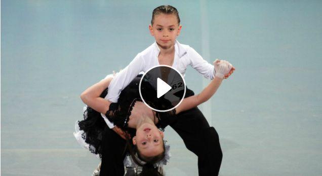 Duet Elita - dwoje dzieci zachwyci�o juror�w Mam talent