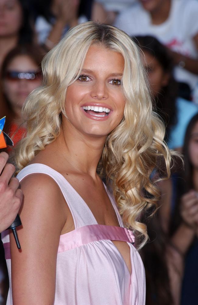 Jessica Simpson na gali 2003 Teen Choice Awards