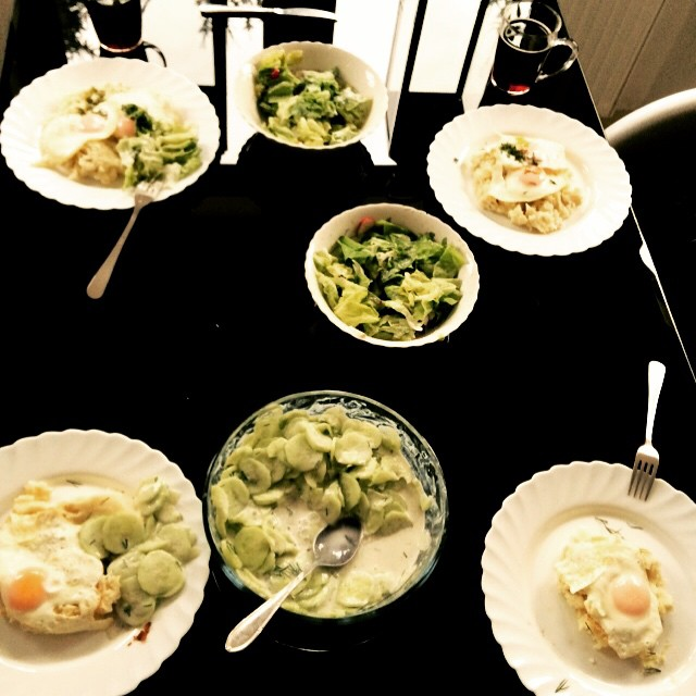 Obiad według Dody - jajka sadzone z puree i mizeria