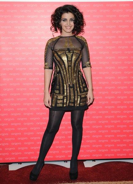 Katie Melua, złote sukienki