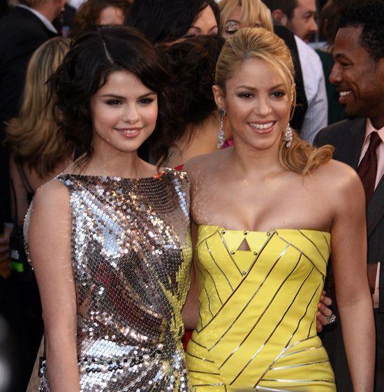 Selena Gomez, Shakira, 2009 rok