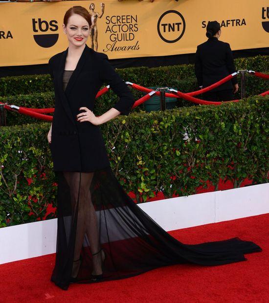 Emm Stone w czarnej sukni na rozdaniu nagród Gilidii Aktorów Filmowych