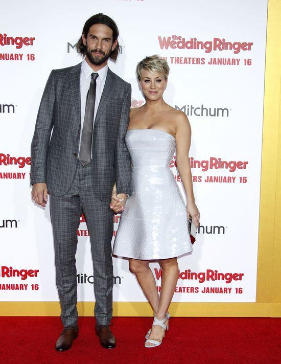 Aktorka znana głównie z serialu Teoria wielkiego podrywu poznała Ryana Sweetinga (29 l.) na serwisie randkowym.