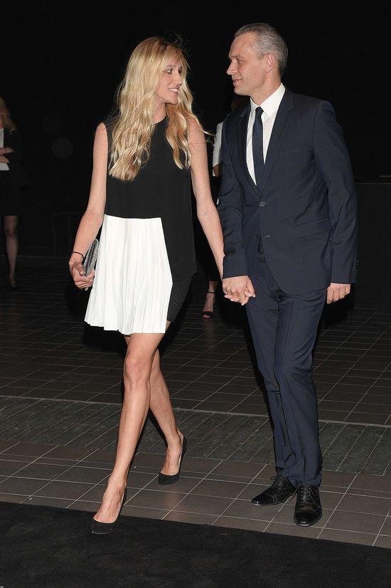 Jego �ona ma nogi jak modelka (FOTO)