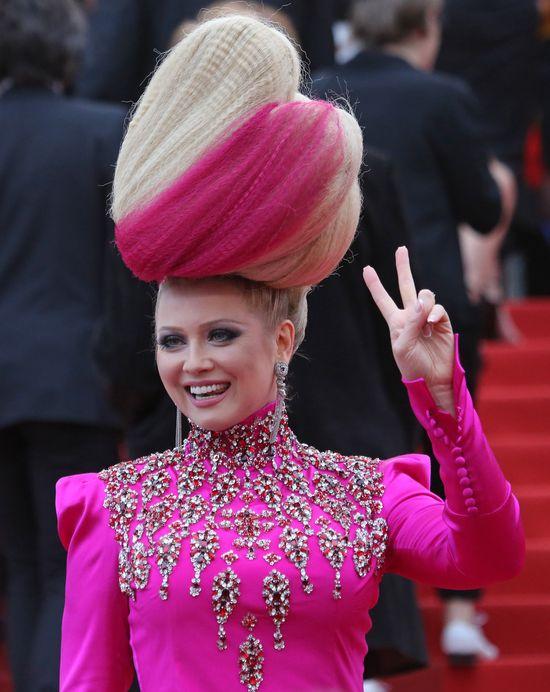 Spadniesz z krzesła, gdy zobaczysz fryzury Eleny Leniny
