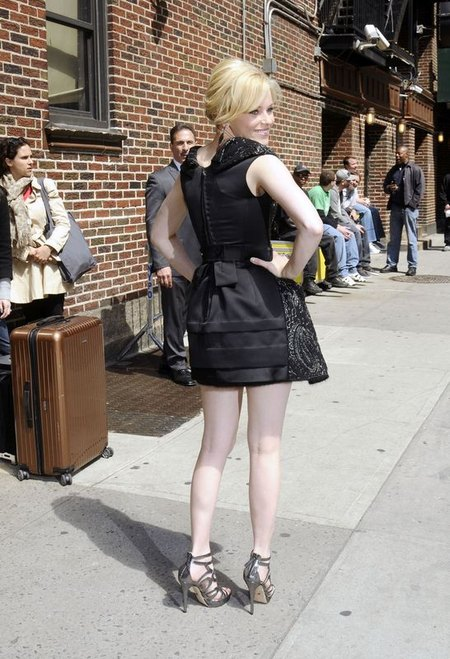 Kto powiedzia�, �e nogi musz� by� opalone? (FOTO)