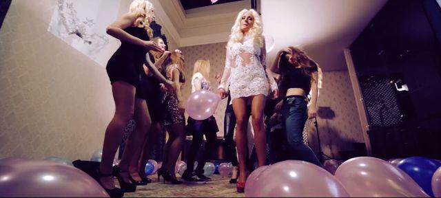 Elizka w samej bieliźnie w nowym teledysku (VIDEO)