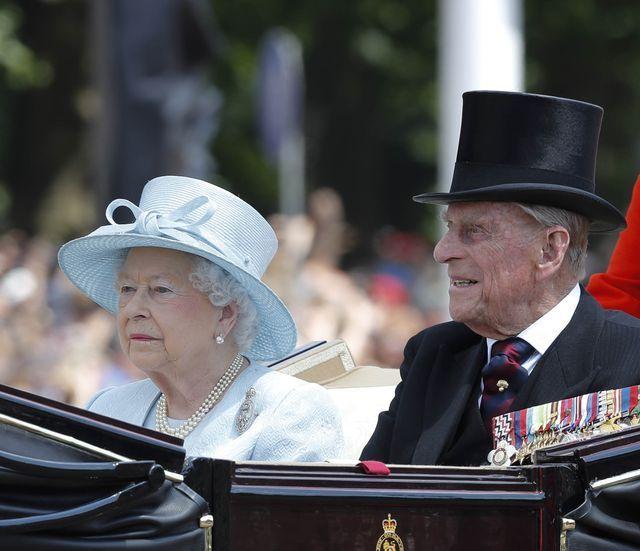 OSTRA reakcja królowej na modowe wybory księżnej Meghan