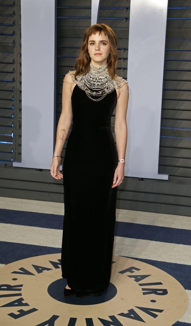 Emma Watson ma nowy, DUŻY tatuaż z BŁĘDEM (ZDJĘCIA)