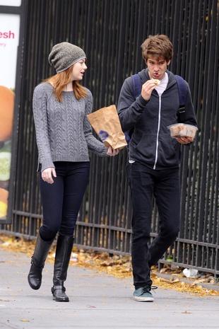Aktor też człowiek! Emma Stone karmi ukochanego (FOTO)