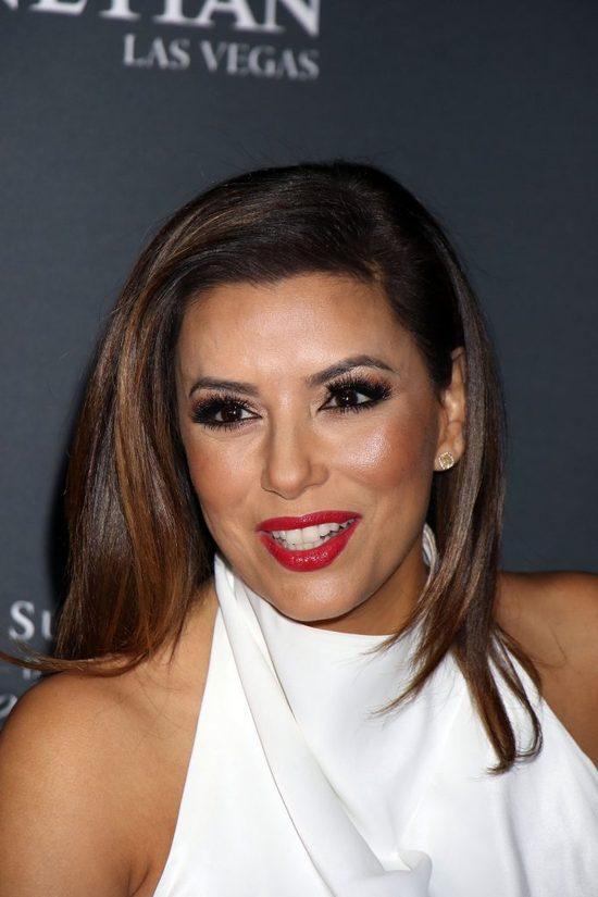To nie jest żadna z sióstr Kardashian (FOTO)
